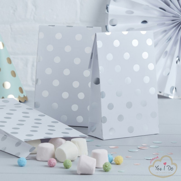 8 SILVER FOILED POLKA DOT PARTY BAGS