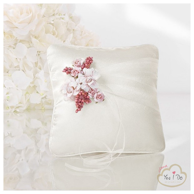 RING PILLOW WITH PINK FLOWERS