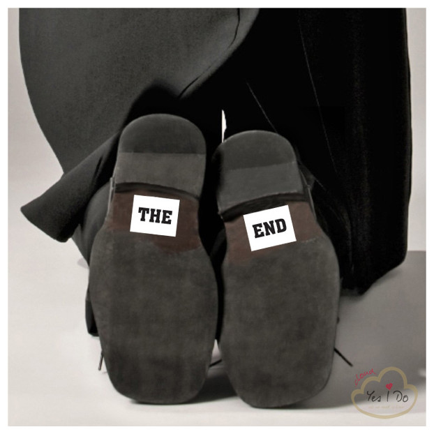 "STICKER ""THE END"""