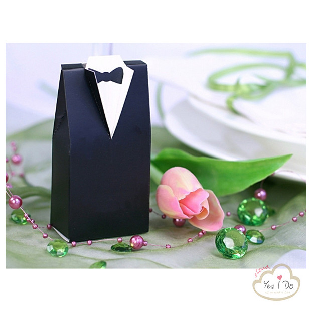 10 GROOM SHAPED BOXES