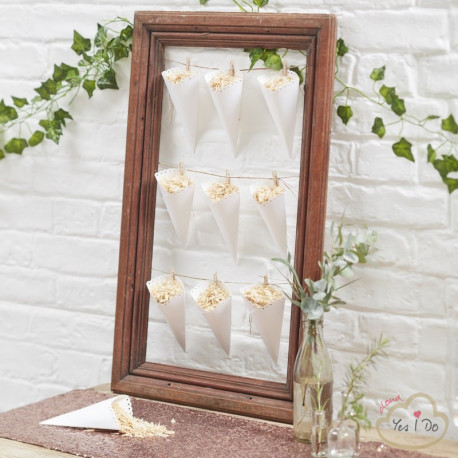 10 SCALLOPED CONFETTI CONES
